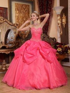 Popular Coral Red Sweet 16 Dress Sweetheart Taffeta and Organza Appliques Ball Gown