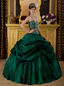 Beautiful Dark Green Sweet 16 Dress Sweetheart Taffeta Embroidery Ball Gown