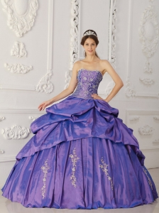 Elegant Purple Sweet 16 Dress Strapless Taffeta Embroidery and Beading Ball Gown