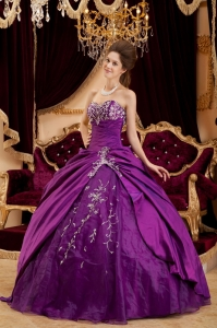 Exquisite Purple Sweet 16 Dress Sweetheart Taffeta and Tulle Appliques Ball Gown