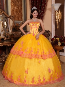 Classical Yellow Sweet 16 Dress Strapless Organza Lace Appliques Ball Gown