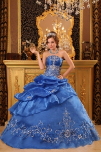 Elegant Blue Sweet 16 Quinceanera Dress Strapless Organza Beading Ball Gown