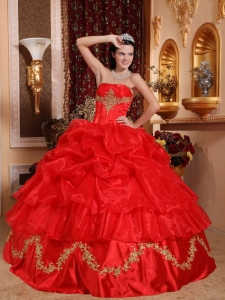 Gorgeous Red Sweet 16 Quinceanera Dress Strapless Organza Beading Ball Gown