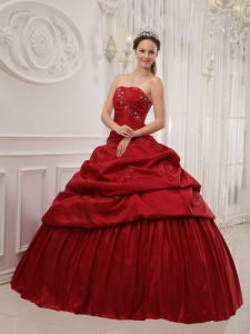 Luxurious Wine Red Sweet 16 Dress Strapless Taffeta Ruffles Ball Gown