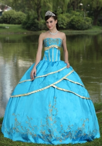 Taffeta and Satin Embroidery Blue 2013 Sweet 16 Quinceanera Gowns Designer