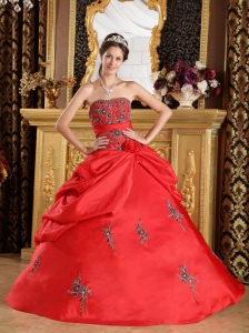 Discount Red Sweet 16 Quinceanera Dress Strapless Taffeta Embroidery Ball Gown