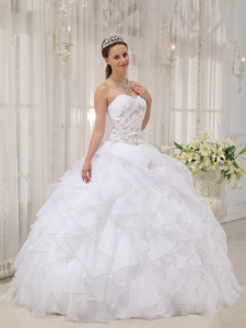 Modest White Sweet 16 Quinceanera Dress Sweetheart Organza Appliques Ball Gown