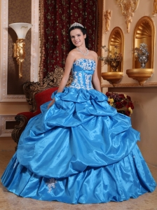 Elegant Baby Blue Sweet 16 Dress Strapless Taffeta Appliques Ball Gown