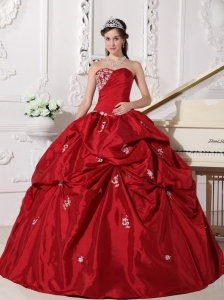 Low price Wine Red Sweet 16 Dress Sweetheart Taffeta Beading Ball Gown