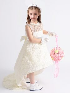 Scoop White Fabric With Rolling Flowers Zipper Little Girls Pageant Gowns Sleeveless High Low Beading and Bowknot